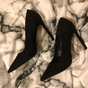 BLACK POINTED TOE HEELS SIZE 7